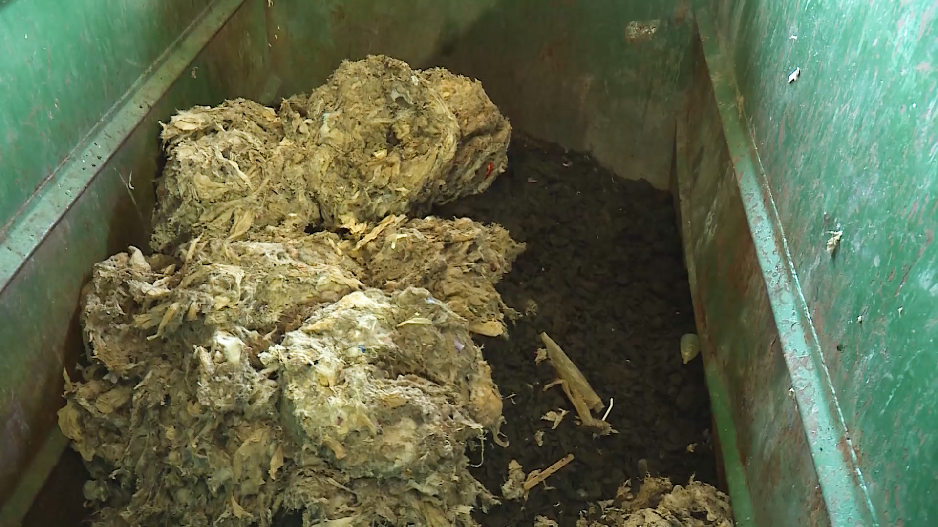 Flushing Wipes Causes Damage to Sewer Systems